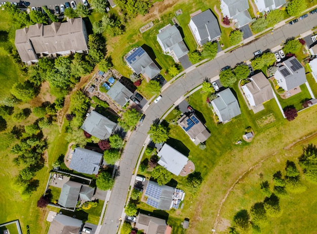 Vue panoramique de la maison unifamiliale de quartier dans un quartier résidentiel avec brooklyn new york ny