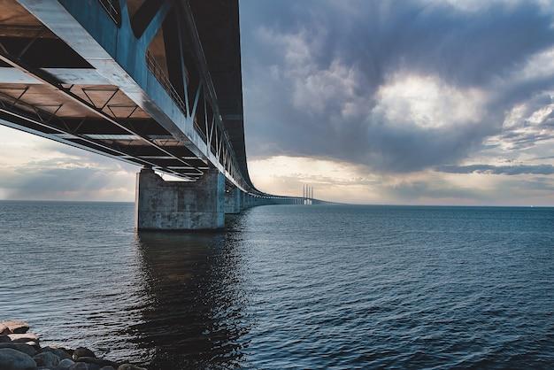 Vue panoramique sur le pont oresundsbron entre le danemark et la suède