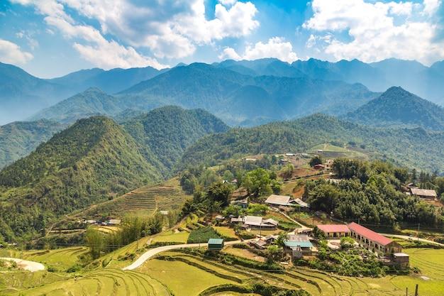 Vue panoramique de la rizière en terrasse à sapa, lao cai, vietnam