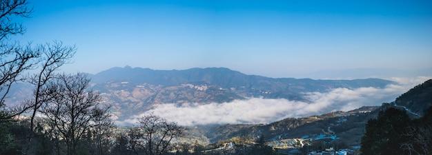 Vue panoramique des rizières en terrasses de yuanyang, chine