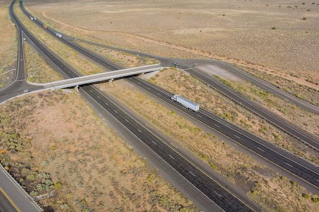 Vue panoramique un road trip dans le désert une belle journée au nouveau mexique usa