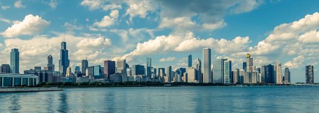 Vue panoramique sur les toits de chicago par jour