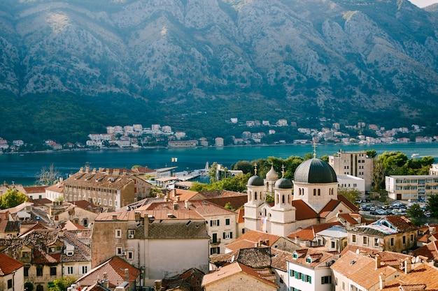 Vue panoramique de la vieille ville de kotor monténégro