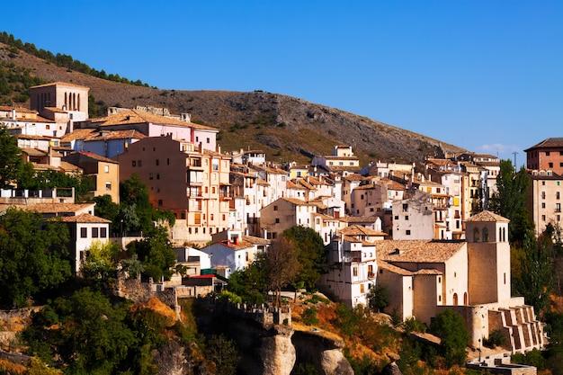 Vue pittoresque avec maisons de résidence à cuenca