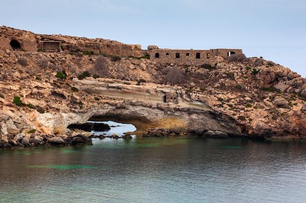Vue de la plage de mare morto, lampedusa