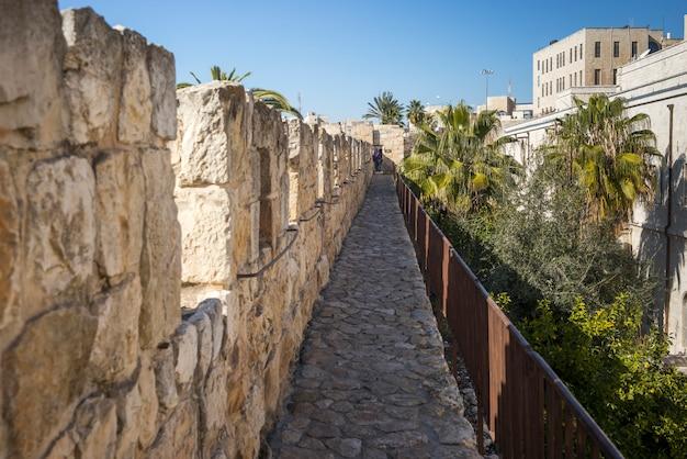 Vue de la promenade du mur entourant la vieille ville, jérusalem, israël