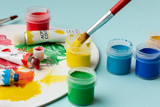 Vue rapprochée de l'aquarelle colorée