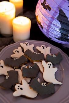 Vue rapprochée de délicieux biscuits d'halloween