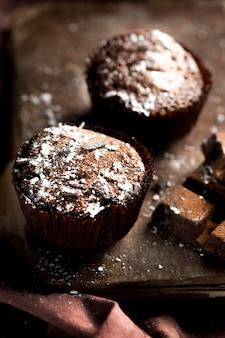 Vue rapprochée de délicieux muffins au chocolat