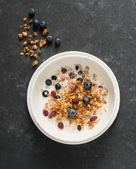 Vue rapprochée du délicieux bol de céréales