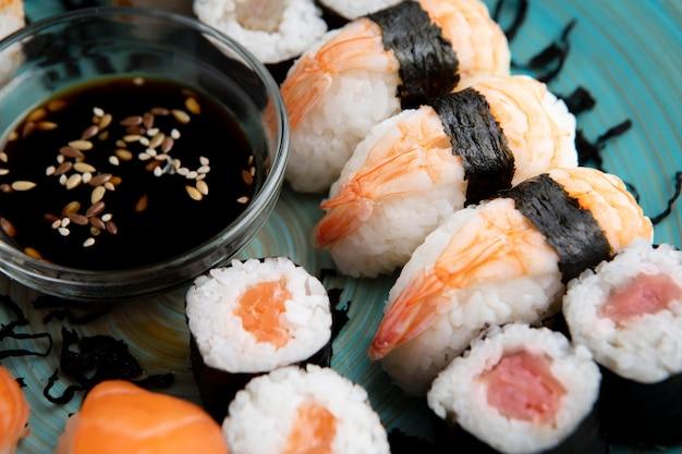 Vue rapprochée du délicieux concept de sushi