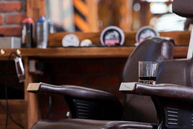 Vue rapprochée du salon de coiffure