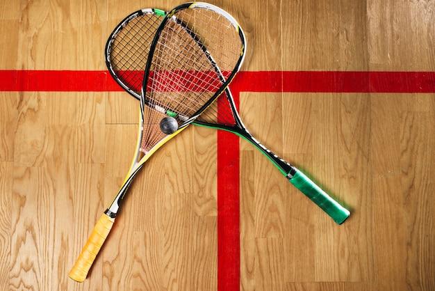 Vue rapprochée de l'équipement de jeu de squash
