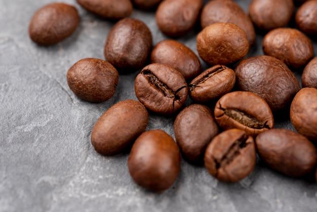 Vue rapprochée des grains de café