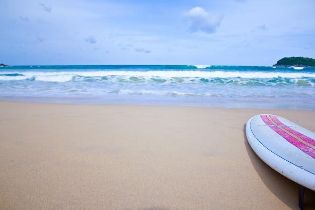 Vue rapprochée de la planche de surf