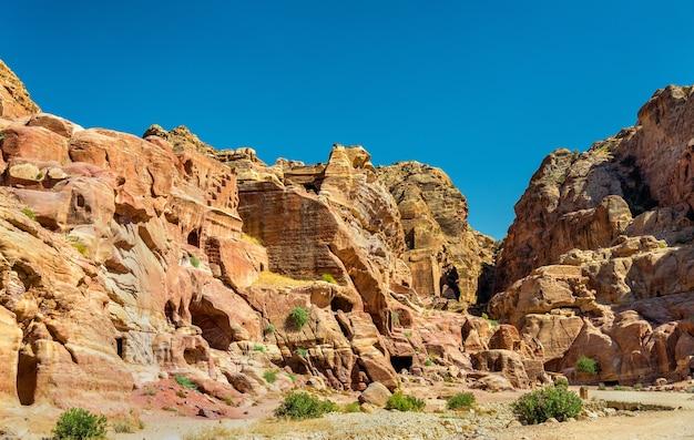 Vue des ruines antiques de petra - jordanie