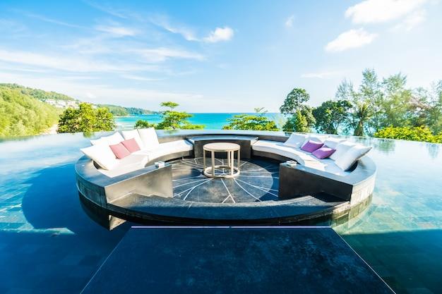 Vue station table bleue maison