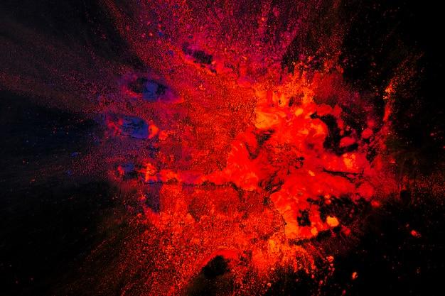 Vue surélevée de couleur orange vif et bleue tachée sur fond