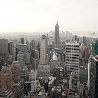 Vue sur les toits de la ville de new york depuis le rockefeller center