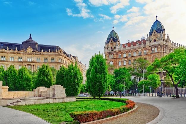Vue urbaine de beau paysage, rues de la ville, architecture de budapest, capitale de la hongrie.