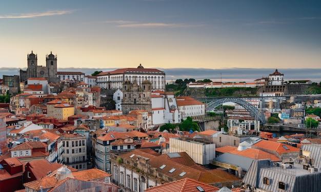 Vue sur la vieille ville de porto portugal.