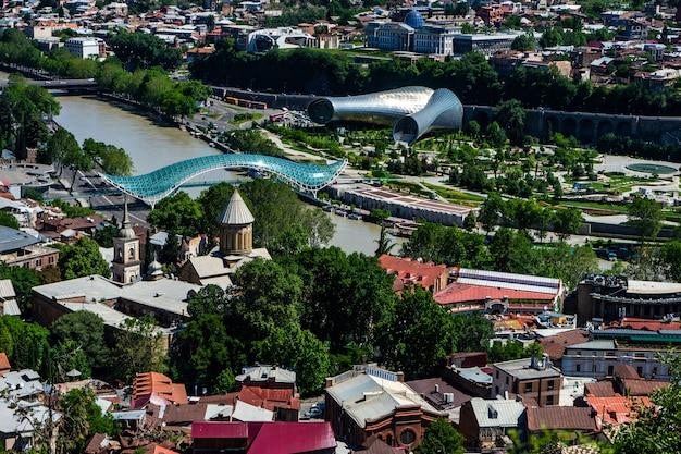 Vue sur la vieille ville de tbilissi, géorgie