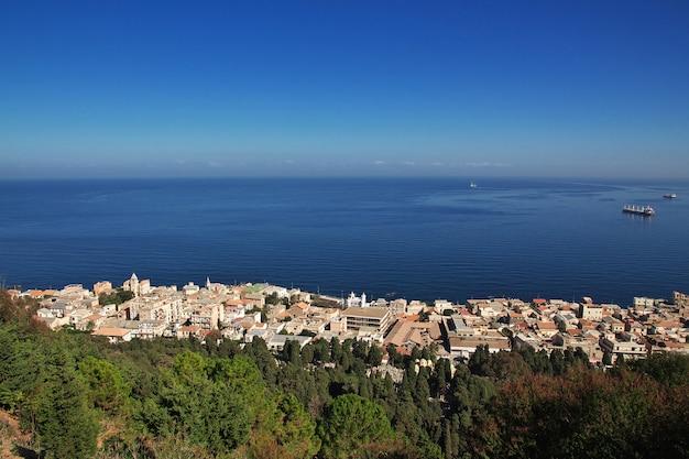 Vue sur la ville algérienne et la mer méditerranée, algérie