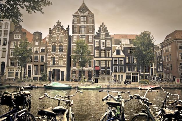 Vue sur la ville d'amsterdam