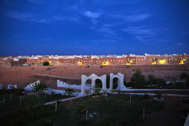 La vue sur la ville de ghardaïa dans le désert du sahara, algérie