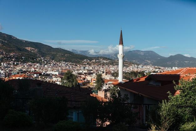 Vue sur la ville et la mosquée turque