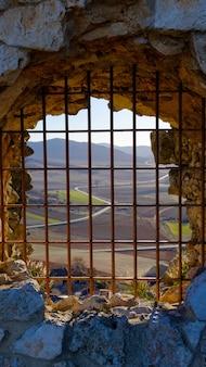 Les vues depuis une fenêtre du château d'atienza.