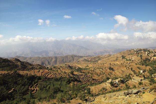 Wadi sara dans les montagnes, yémen