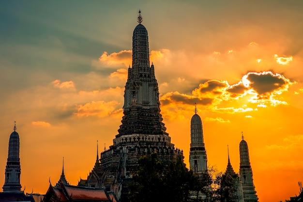 Wat arun pagoda landmark de la capitale de la thaïlande bangkok