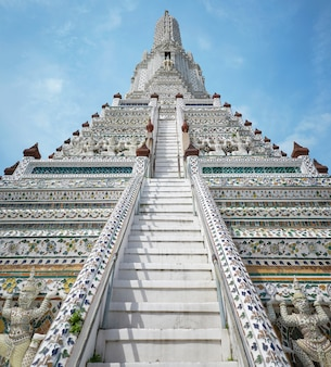 Wat arun (temple de l'aube) à bangkok
