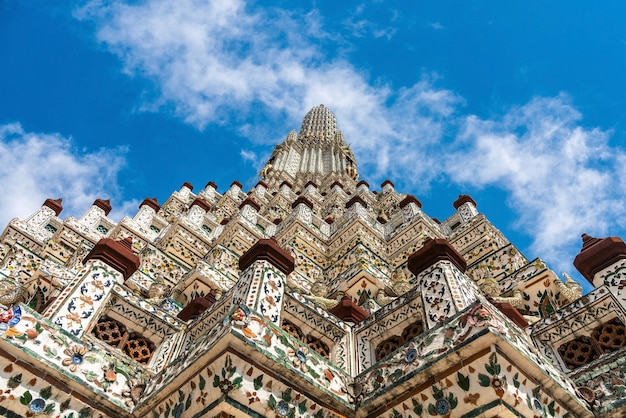 Wat arun temple escaliers raides vers le sommet du wat arun