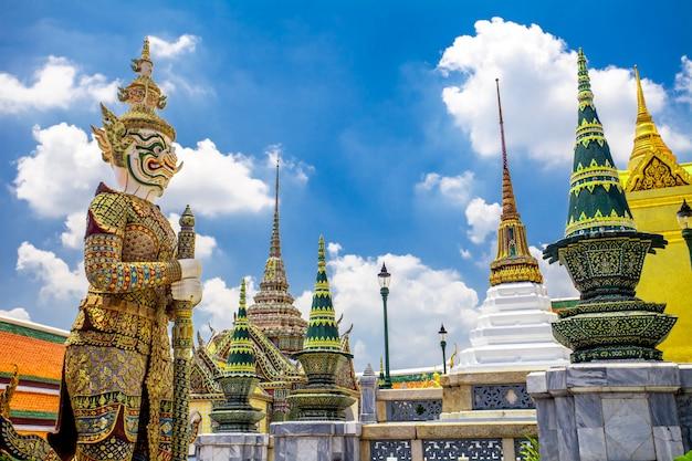 Wat phra kaew, temple du bouddha d'émeraude