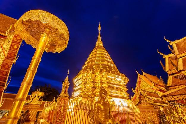 Wat phra that doi suthep est une attraction touristique de chiang mai, thaïlande