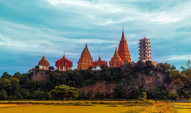 Wat tumseau à kanchanaburi, thaïlande