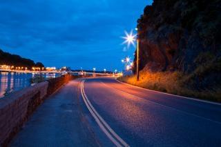 Waterford crépuscule scène de rue contrastée