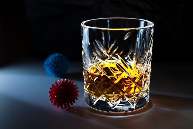 Whisky, Brandy, Brandy, Tequila Et Autres Alcools Comme Liquides Désinfectants. Photo Premium