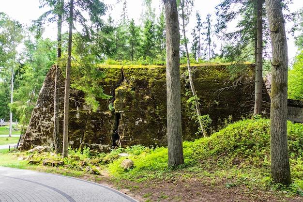 Wolf's lair - le premier quartier général militaire d'adolf hitler sur le front de l'est pendant la seconde guerre mondiale