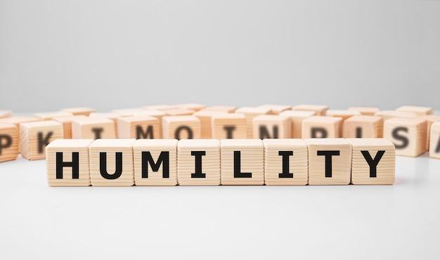 Word humility fait avec des blocs de construction en bois