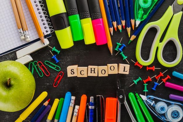 Word 'school' en arrangement