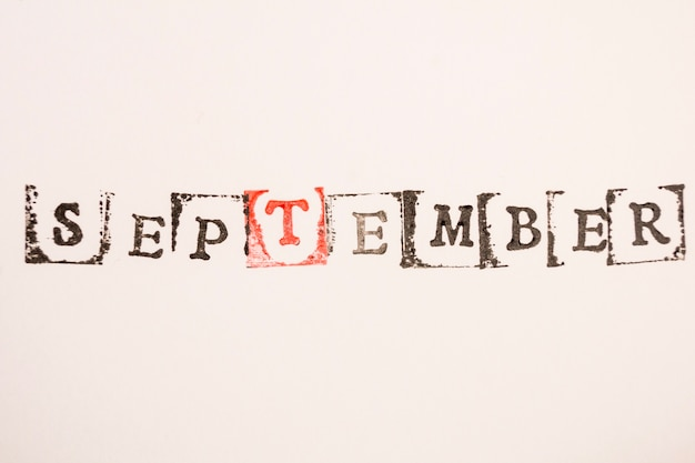 Word septembre fait avec estampage