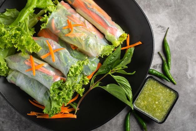 Wraps de riz aux légumes frais