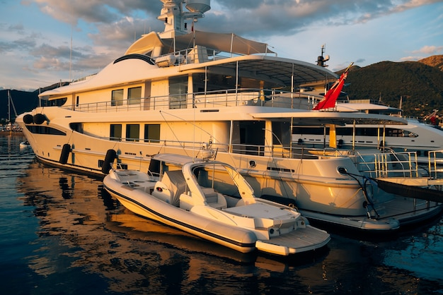 Yacht porto monténégro zone d'élite de tivat