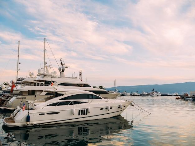 Yacht porto monténégro zone d'élite