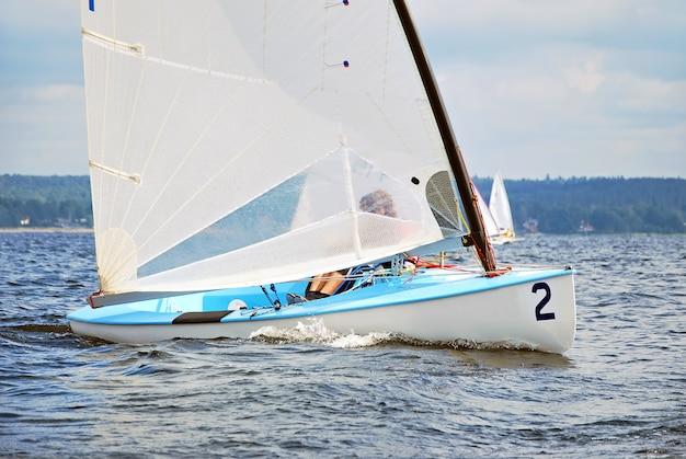 Yacht de sport