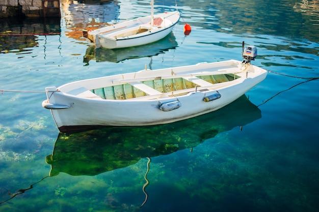 Yachts et bateaux dans la mer adriatique