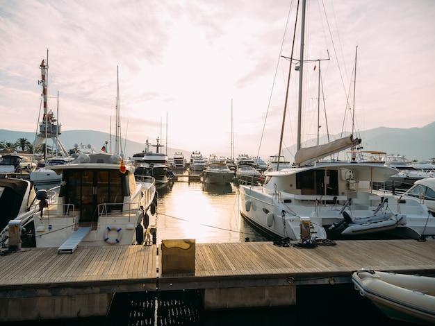 Yachts à quai